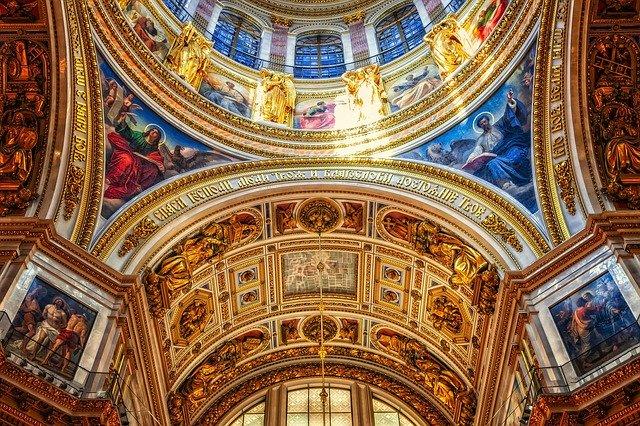 San Petersburgo es el destino turístico ideal para pasar las fiestas navideñas